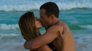 Tamara e Apolo protagonizam climão e se beijam (Foto: Reprodução)