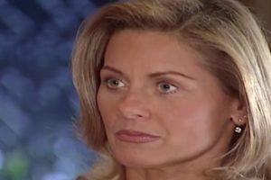 Helena fica furiosa com Capitu em Laços de Família (Foto: Reprodução)