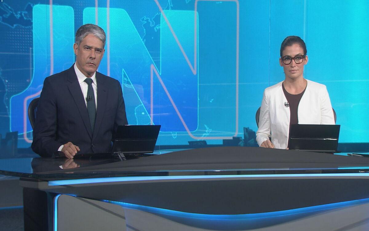 Renata Vasconcellos e William Bonner na bancada do Jornal Nacional desta terça- feira, na Globo (Foto: Divulgação)