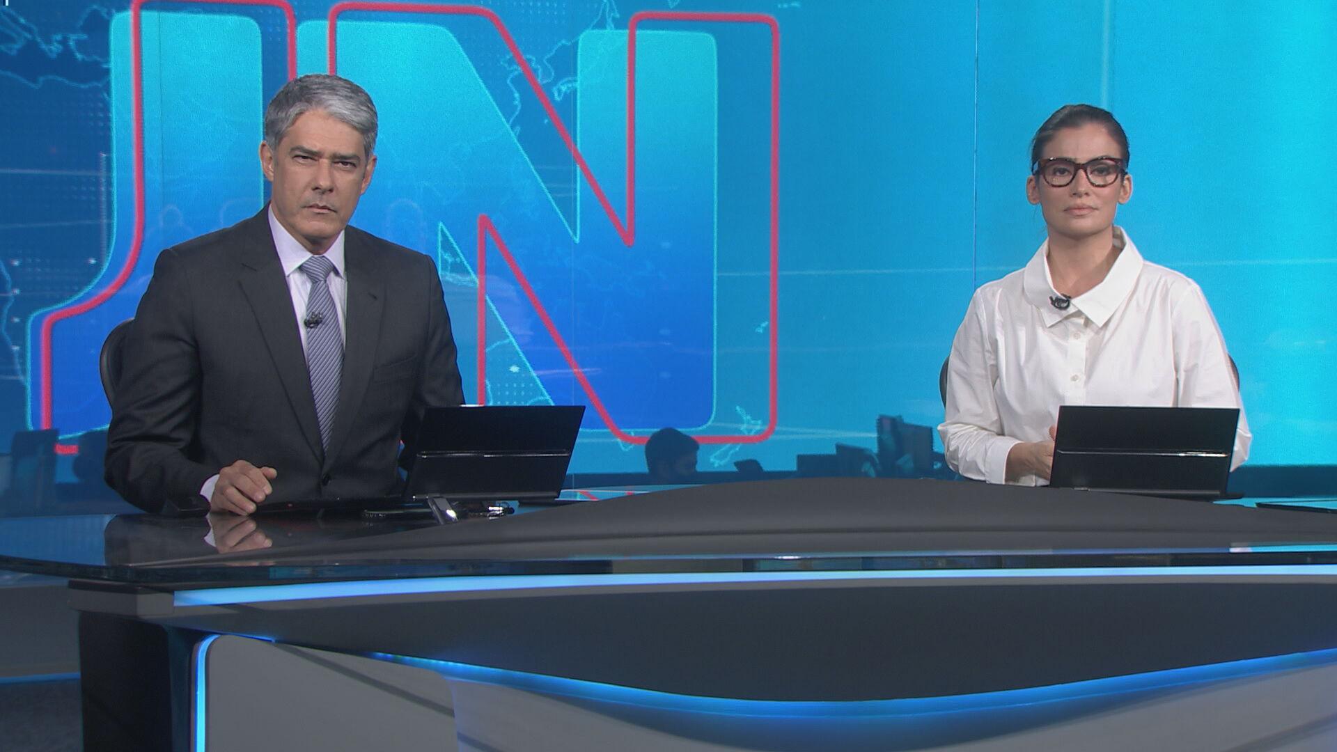 Jornal Nacional com Renata Vasconcellos e William Bonner (Foto: Divulgação)