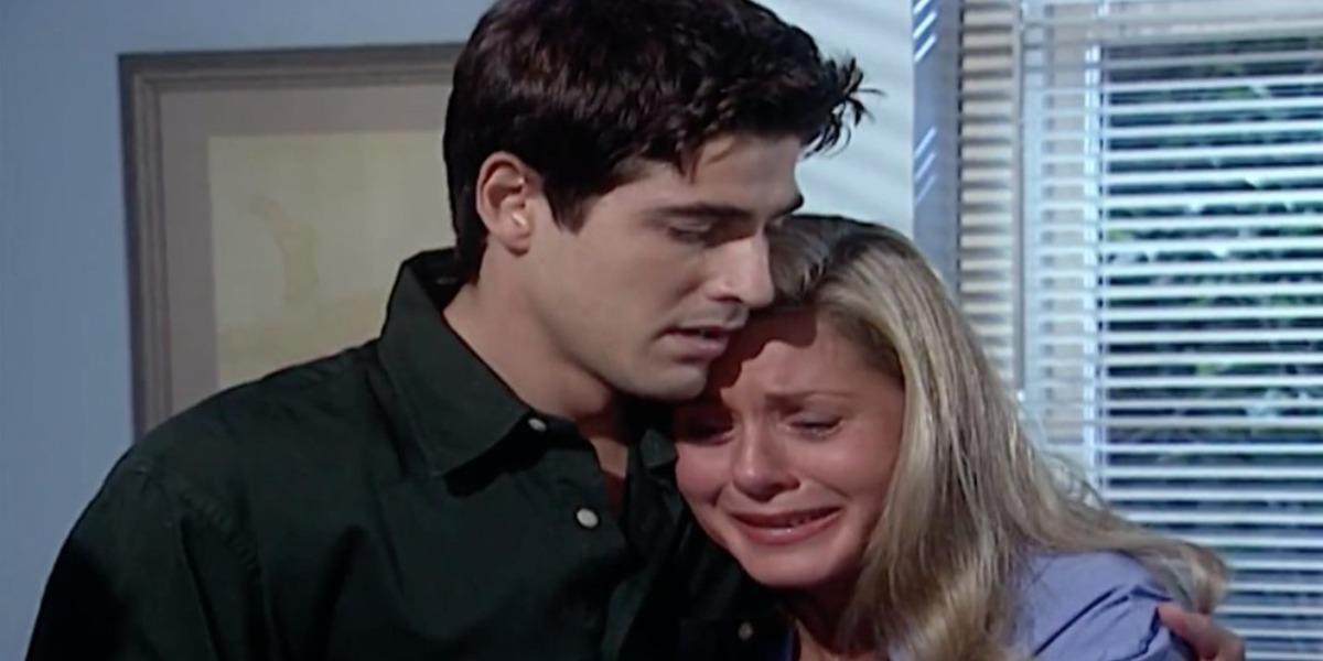 Helena chora no ombro de Edu (Foto: Reprodução)