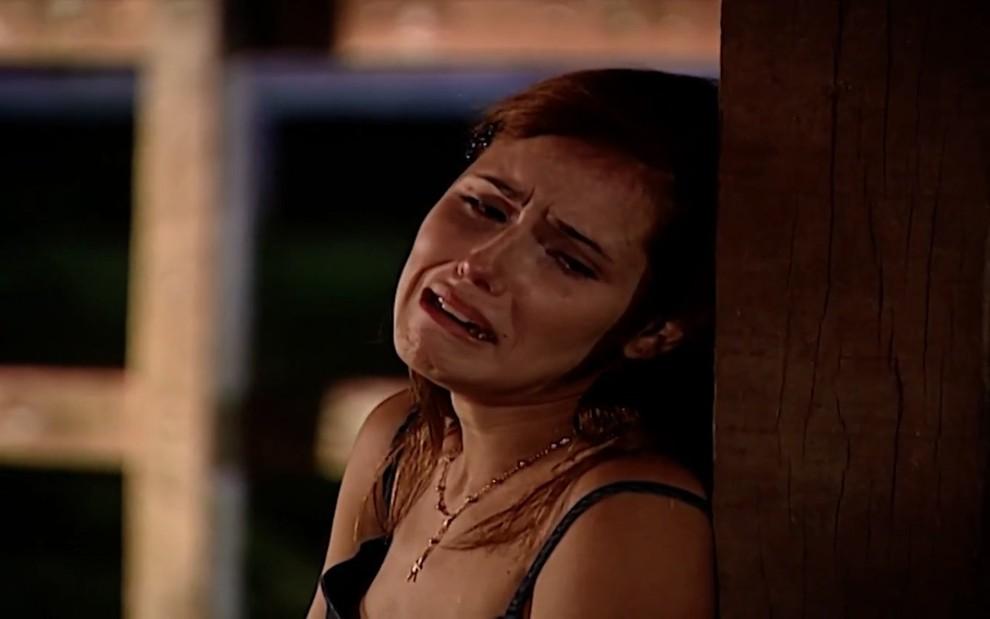 Deborah Secco e cenas da novela Laços de Família (Foto: Reprodução/ TV Globo)
