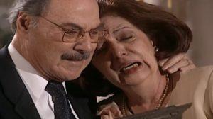 Ema e Paschoal descobrem segredo de Capitu e desmoronam em Laços de Família (Foto: Reprodução/ Globo)