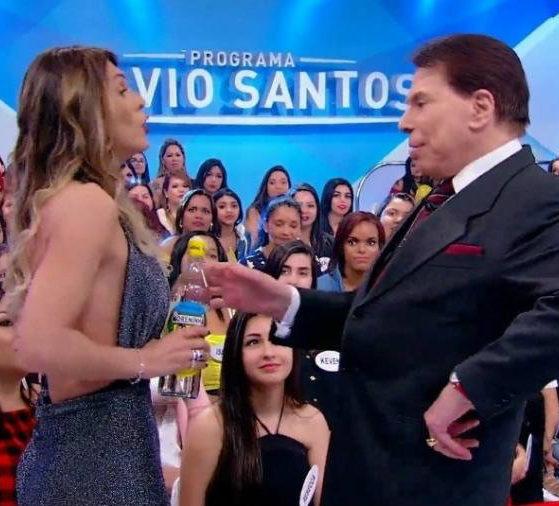 Lívia Andrade e Silvio Santos