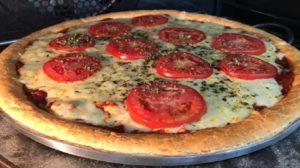 Pizza de pão de queijo feita por Ana Maria Braga (Foto: Reprodução)