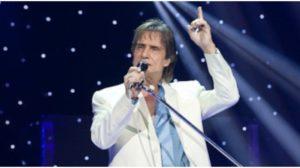 Roberto Carlos expõe declaração para cantora Liah (Foto: Reprodução)