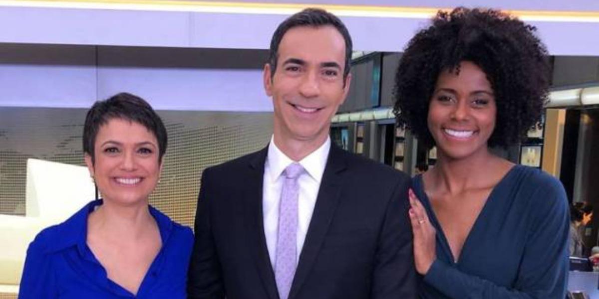 """Sandra Annenberg, Cesar Tralli e Maju Coutinho nos bastidores do """"Jornal Hoje"""" (Foto: Reprodução/TV Globo)"""