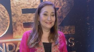 """Sonia Abrão apresenta o programa """"A Tarde é Sua"""", da RedeTV! (Foto: AgNews)"""