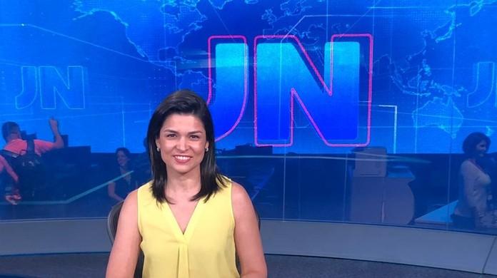 Priscilla Castro quando apresentou o Jornal Nacional na Globo (Foto: Reprodução)