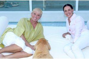 Xuxa concedeu entrevista a Carolina Ferraz - Foto: Reprodução