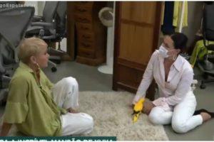 Xuxa e Carolina Ferraz em entrevista da Record - Foto: Reprodução