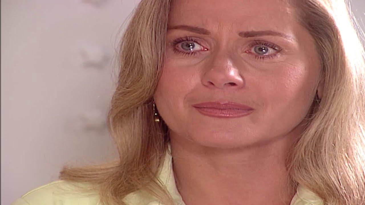Helena não aceitará o pedido de casamento de Miguel em Laços de Família (Foto: Reprodução/ Globo)