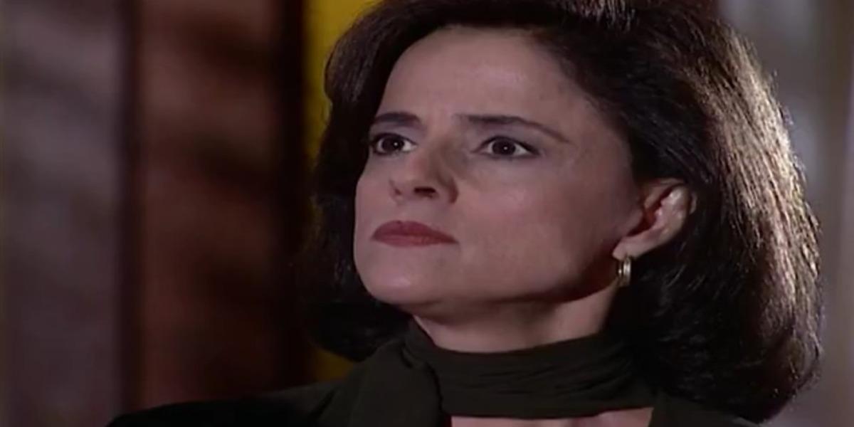 Alma pede que Edu anule o casamento com Camila em Laços de Família (Foto: Reprodução)