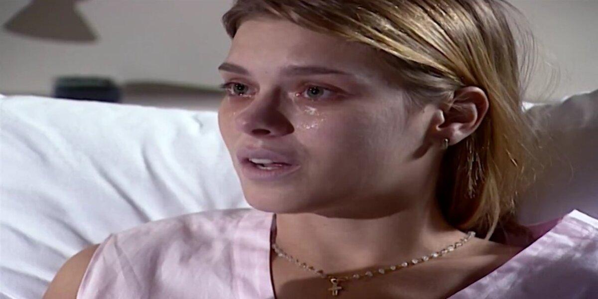 Camila chora em Laços de Família