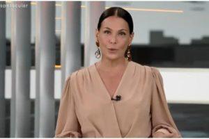Carolina Ferraz comanda o Domingo Espetacular na Record - Foto: Reprodução