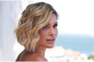 Flávia Alessandra posou bem sensual e arrancou elogios dos seguidores