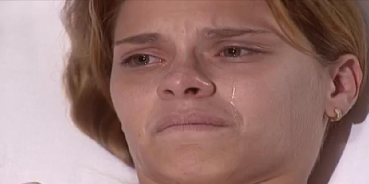 Camila é diagnosticada com leucemia em Laços de Família (Foto: Reprodução)