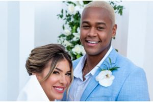 Léo Santana e Lore Improta se casaram nesse salvador em cerimônia para a família (Foto: Enzo Piero)