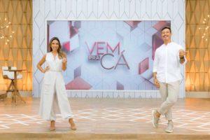 """Patrícia Abravanel e Gabriel Cartolano no """"Vem Pra Cá"""" (Foto: Divulgação/SBT)"""