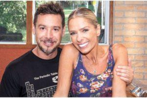 A apresentadora Adriane Galisteu ao lado do marido - Foto: Reprodução