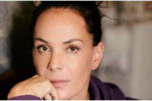 Carolina Ferraz recordou passagem de sucesso na Globo e falou de bastidores de novela (Foto: Reprodução)
