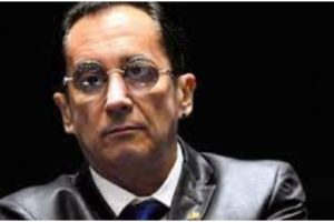 Jorge Kajuru admite envolvimento com homens
