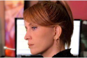Poliana Abritta surgiu se despedindo dos estúdios do Fantástico (