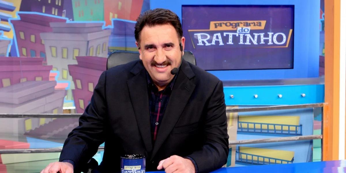 Ratinho no comando de seu programa no SBT (Foto: Reprodução)