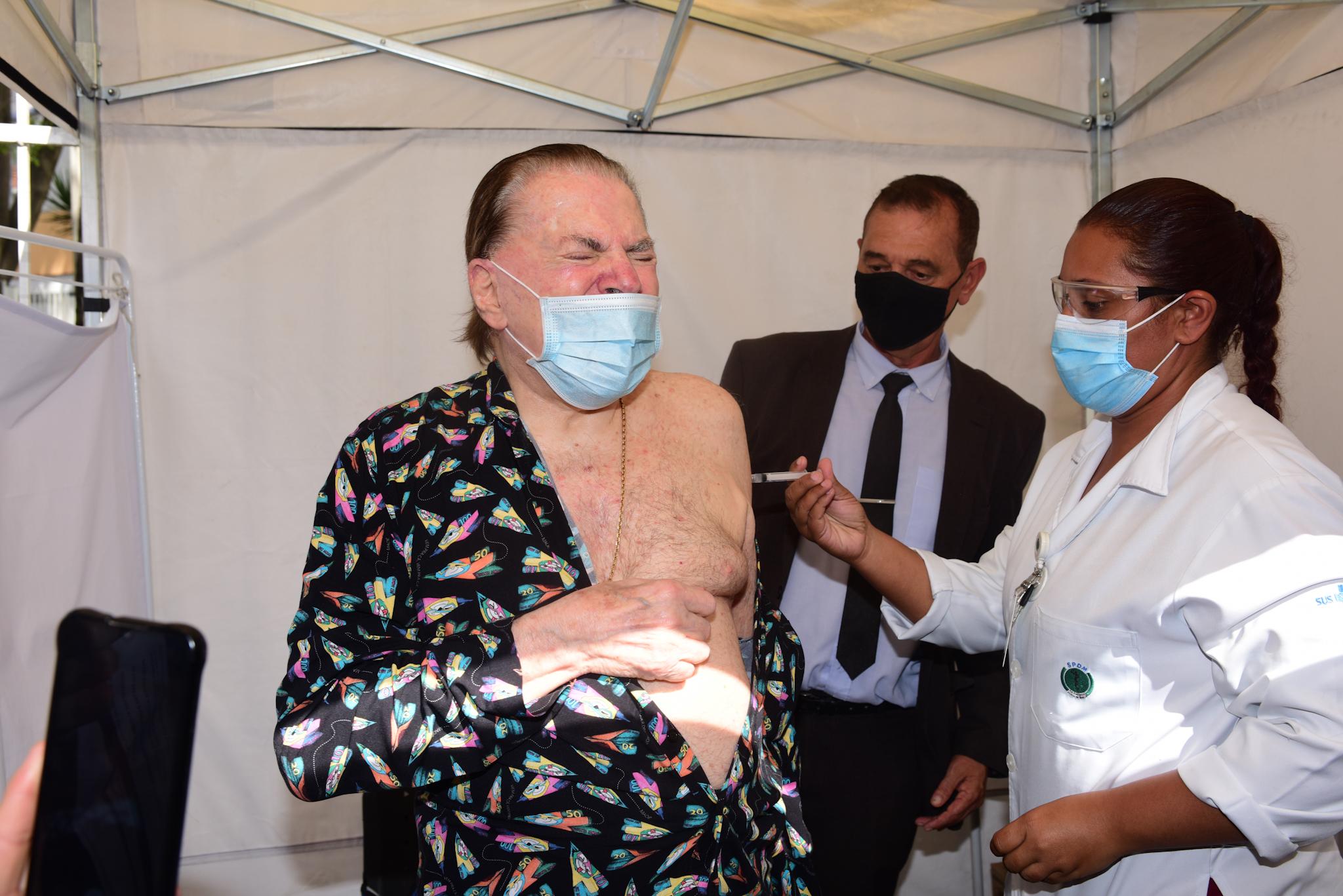 Silvio Santos tomou segunda dose da vacina contra o coronavírus (Foto: Leo Franco/AgNews)