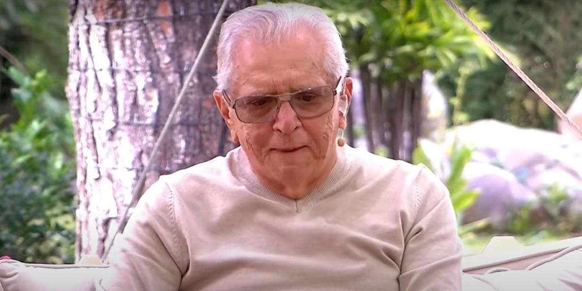 Carlos Alberto de Nóbrega participou do Vem Pra Cá e acabou chorando ao vivo (Foto: Reprodução)