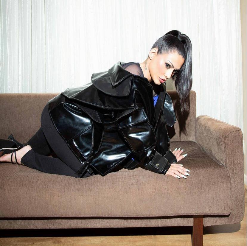 Foto sensual de Cleo Pires leva o público a loucura