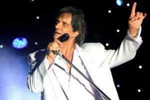 Relação íntima com cantor confirmada e doença cruel aos 80 anos: Os segredos que Robertos Carlos esconde