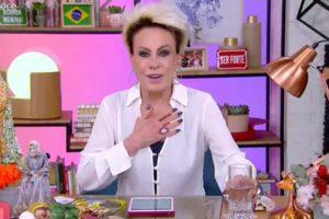 Ana Maria Braga tosse, coloca a mão no peito e perde a voz (Foto: Reprodução)