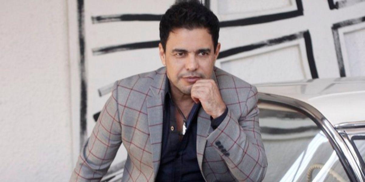 """Zezé Di Camargo vê anúncio de separação de Luciano, decreta fim na TV e expõe sofrimento: """"O coração dói"""""""