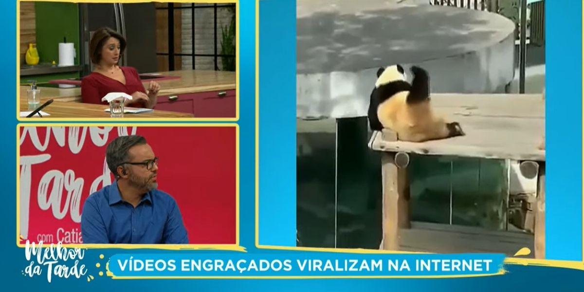 Catia Fonseca coçando as costas e imitando o marido no Melhor da Tarde (Foto: Reprodução)