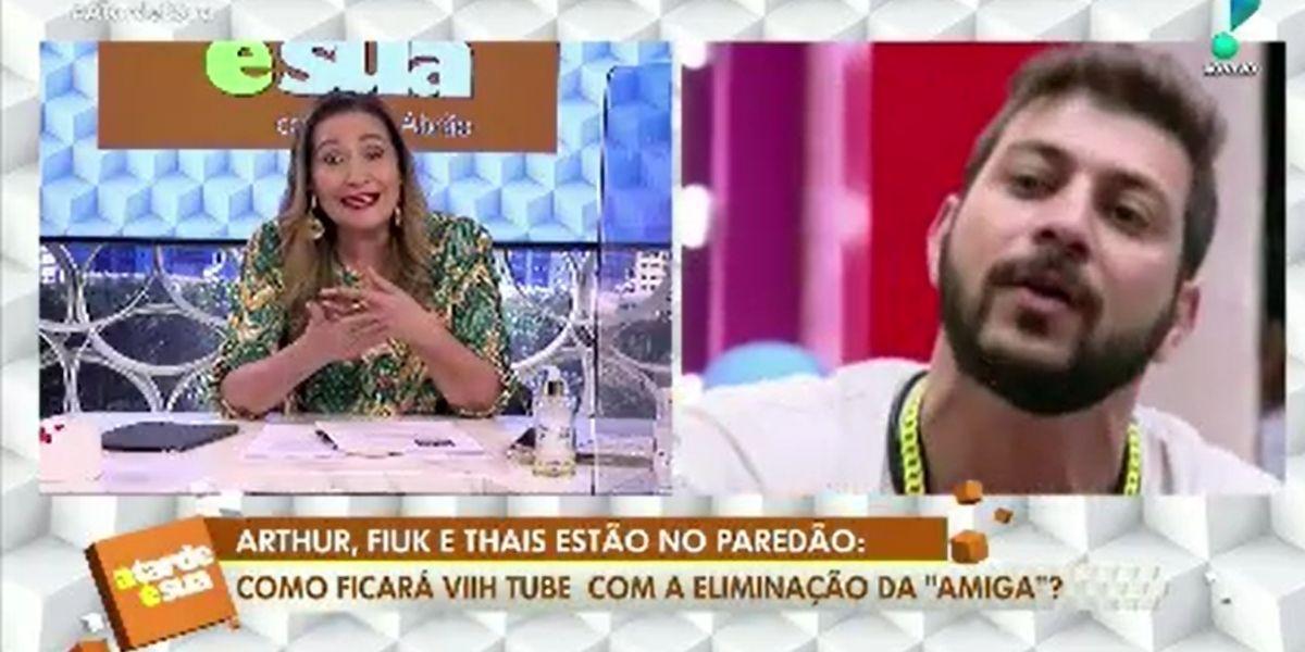 Sonia Abrão revoltada e batendo até palma ao detonar o jogo de Arthur do BBB21 (Foto: Reprodução)