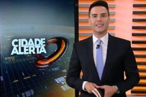 Luiz Bacci no comando do Cidade Alerta, da Record (Foto: Reprodução)