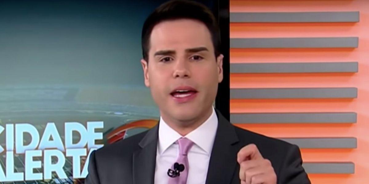 """Luiz Bacci, da Record, invade às pressas e confirma notícia violenta de famosa: """"Boca roxa e olhos revirando"""""""