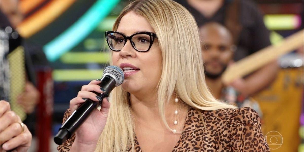 """Marília Mendonça perde chocantes 21 quilos e surge com aparência absurda na TV: """"Quem é essa mulher?"""""""