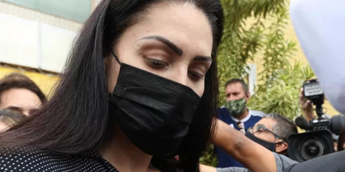 Monique Medeiros encontra-se presa desde ontem (Foto: Reprodução)