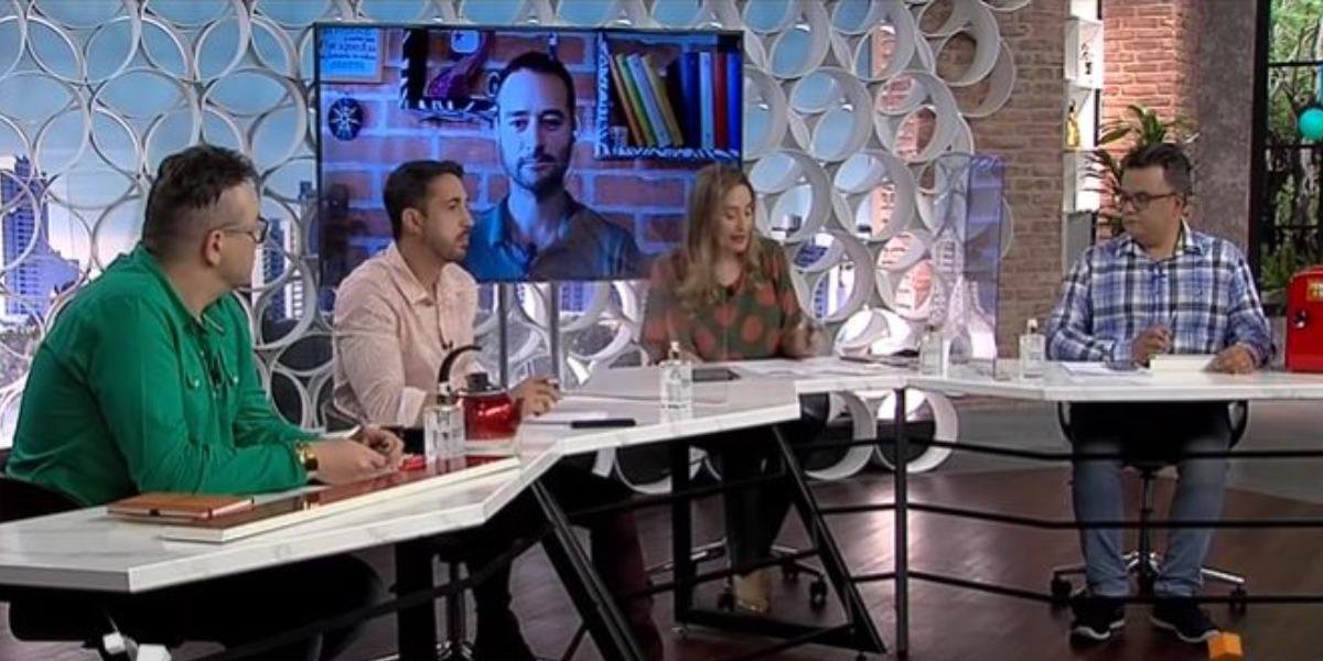 """Sonia Abrão no programa """"A Tarde é Sua"""" (Foto: Reprodução/Redetv!)"""