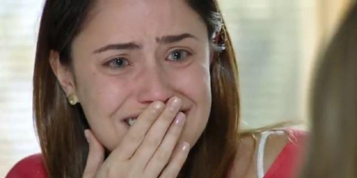 Ana sofrerá com rejeição de Júlia em A Vida da Gente (Foto: Reprodução/ TV Globo)