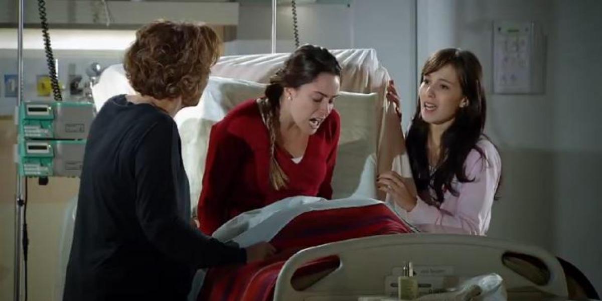 Ana perde o controle ao descobrir casamento de Manu e Rodrigo em A Vida da Gente (Foto: Reproduçõ/ TV Globo)