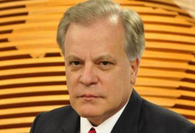 """Chico Pinheiro no """"Bom Dia Brasil"""" (Foto: Divulgação/TV Globo)"""