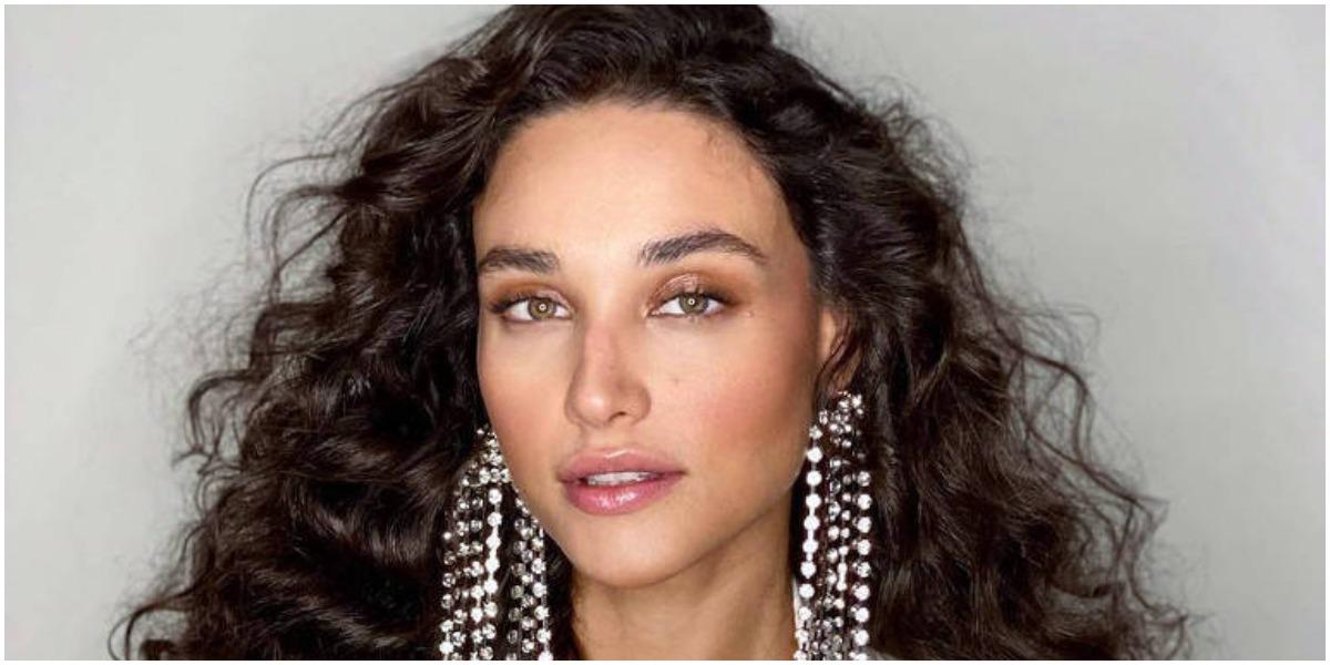 A atriz Débora Nascimento publicou foto nua - Foto: Reprodução