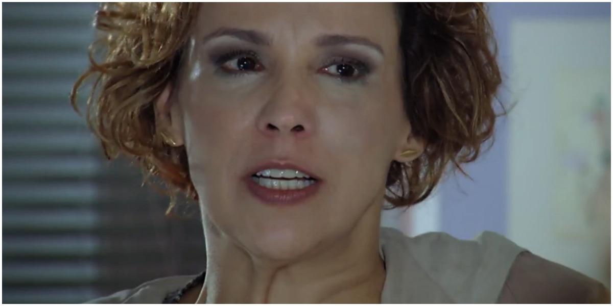 Em A vida da Gente, Eva confrontará Manu e faz Iná perder a paciência com suas alfinetadas (Foto: Reprodução/TV Globo)