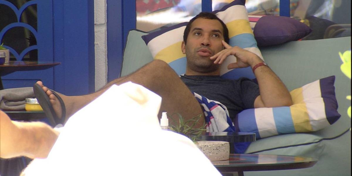 Gilberto cogita carreira política pós-BBB21 (Foto: Reprodução)