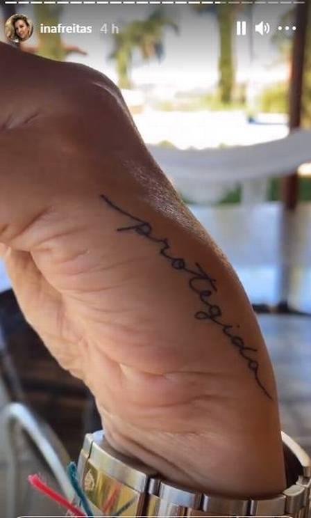 Iná Freitas contou que tatuagem se tornou a sua preferida (Foto: Reprodução)
