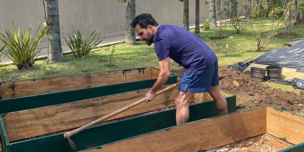 Luciano, da dupla com Zezé, surpreendeu ao cavar 'covas' (Foto: Reprodução/Instagram)