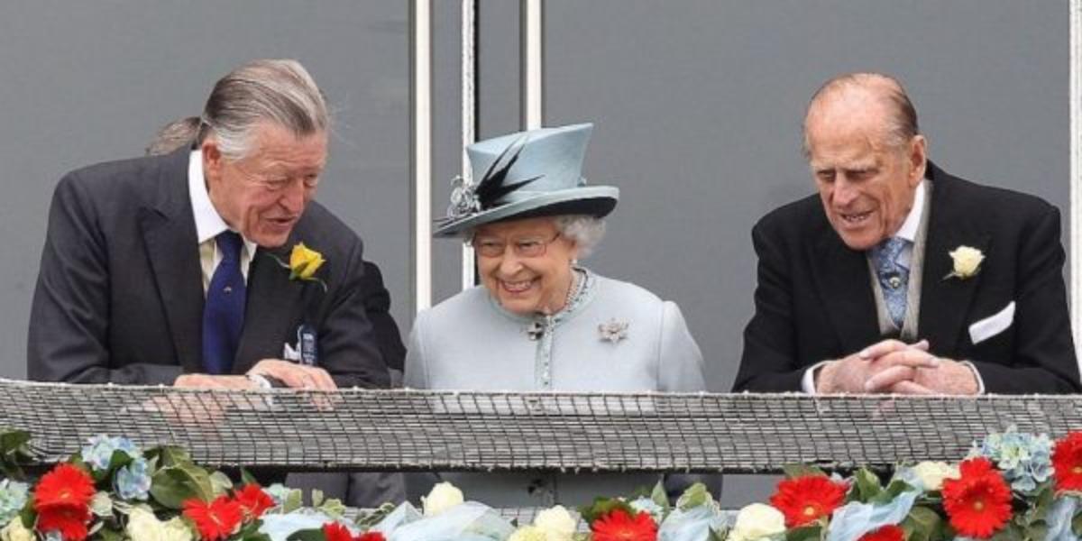 Rainha Elizabeth. Michael Oswald e Philip (Foto: Reprodução)